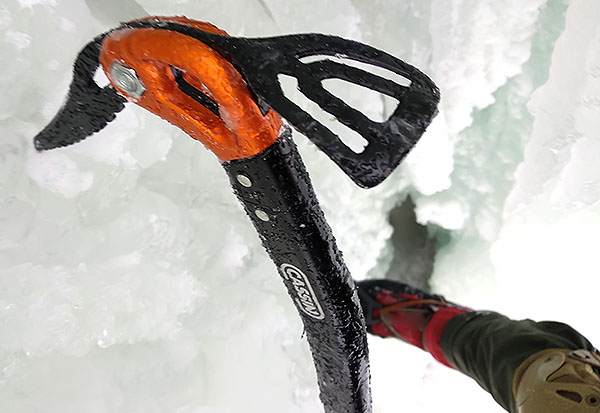 CAMP X-Light climbing ice axe