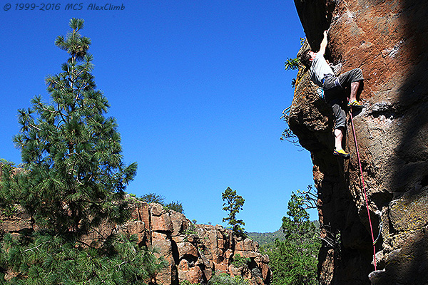 The best rockclimbing tours by MCS AlexClimb rockclimbing School